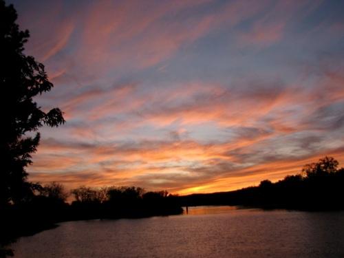 - Riverside sunset, near Wash. Ave., Oct. 17, 2008 -