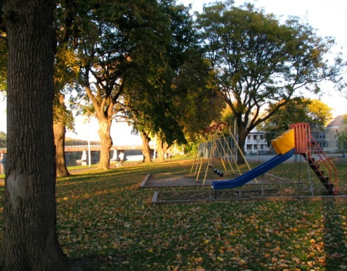 - Riverside Park playground, October 1, 2008 -