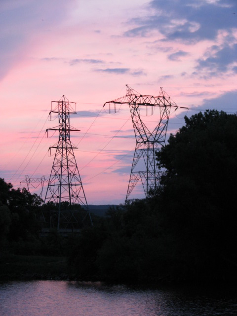 Sunset - towers from the Wash. Ave. deadend - 07Jun09