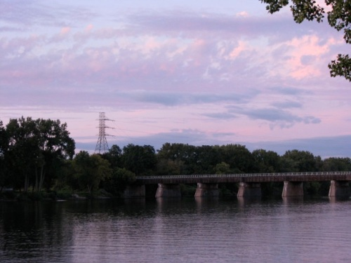 northeast sunset view of the CSX bridge from Schenectady's Riverside Park - 14Sep09p