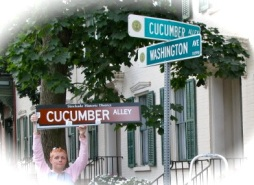 Beth Petta with old and new Cucumber Alley Signs - 10Sep09