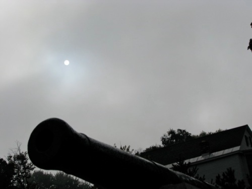muted sun above the esplanade cannon as fog lists - Riverside Park, Schenectady Stockade - 21Sep09
