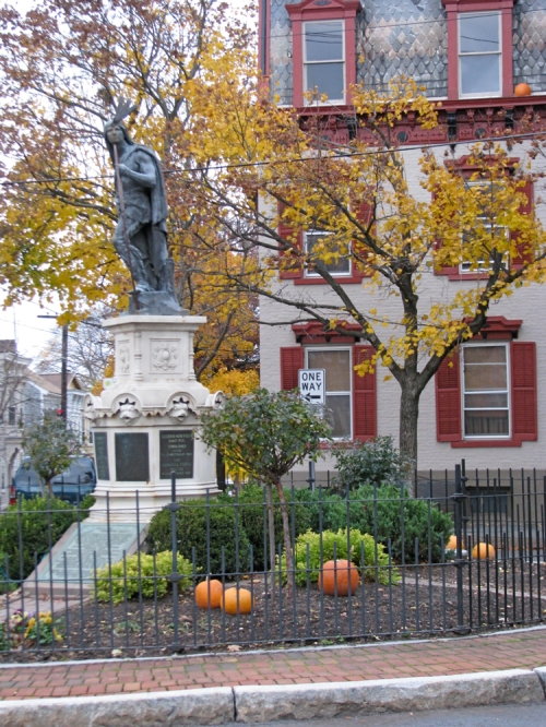 Lawrence Circle on Halloween 2009 - Schenectady Stockade