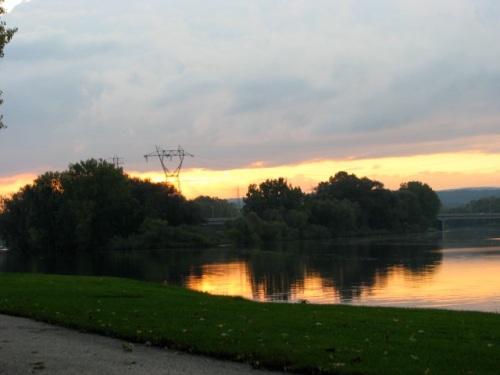 swingset sunset- from Riverside Park kiddie lot, Schenectady - 03Oct09
