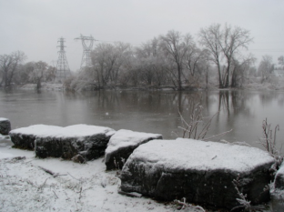 Mohawk River at the end of Washington Avenue, Schenectady - winter 2008