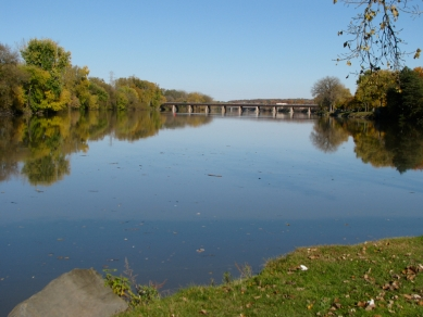 view east down the Mohawk from Gateway Landing, Rotterdam-Schenectady, NY - 27Oct09