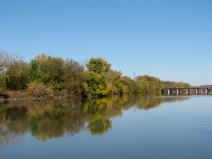 Scotia bank of Mohawk River looking eastward from Gateway Landing - 7Oct09
