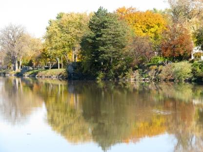 Mohawk River bank along the Schenectady Stockade seen from Gateway Landing 27Oct09
