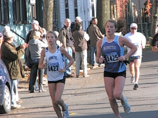 two young runners passing Lawrence Circle - Stockade-athon 2009