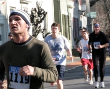 runners on Front St. - Stockade-athon 2009