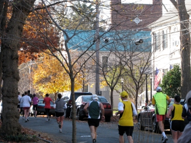 runners heading south on Washington Ave., near the County Historical Society, Schenectady Stockade, 2009 Stockade-athon