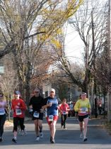 running on Front St. after passing Lawrence the Indian - Stockade-athon 2009
