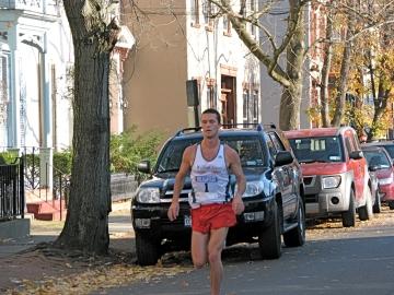 second runner passing through the Stockade (Emory Mort?) - Stockade-athon 2009