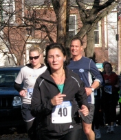 runner #40 heads up Washington Ave. - Stockade-athon 2009