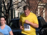 determined runner #801 on Washington Avenue - Stockade-athon 2009