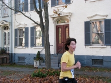 thumbs up from a runner on Washington Ave. - Stockade-athon 2009