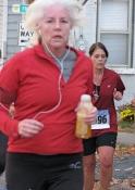 runner turns onto Washington Ave. - Stockade-athon 2009