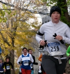 contest #259 runs up Washington Ave. heading south in the Schenectady Stockade - Stockade-athon 2010 - 07Nov2010