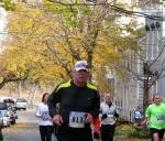 runner #813 pass 19 Washington Ave. heading south in the Schenectady Stockade - Stockade-athon 2010 - 07Nov2010