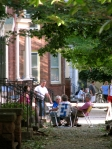 Washington Ave. residents schmooze