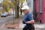 a Stockade-athon 2011 runner turns the corner onto Washington Ave. from Front St. - Schenectady NY Stockade - 13Nov2011