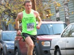 runner 1709 (Benjamin Yatt) about to enter Lawrence Circle - Schenectady NY Stockade - Stockade-athon 2012 - 11Nov2012