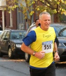 "runner #559 (""Poppo"") approaching Lawrence Circle - Schenectady NY Stockade - Stockade-athon 2012 - 11Nov2012"