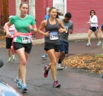 runners (including #1755) turning up Washington Ave. from Front St. Schenectady NY Stockade - Stockade-athon 2012 - 11Nov2012