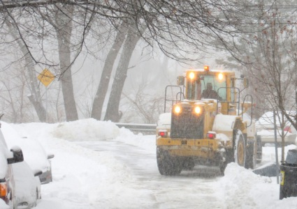 City snow plow at Washington Ave. dead end along Mohawk River - Schenectady NY Stockade  -27Dec2012