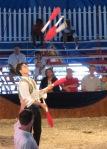 Eduardo Rosario juggles