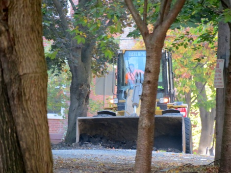 paving crew tractor on Washington Ave. 17Oct2014