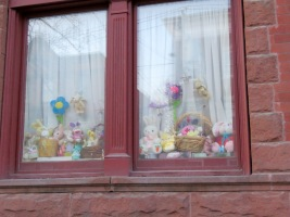 207 Union St - Easter Display