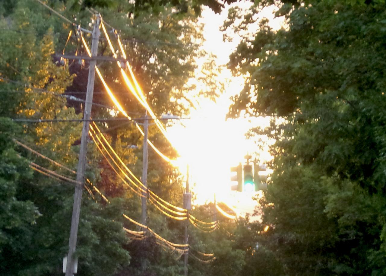 sunsetwires04Jul2012b